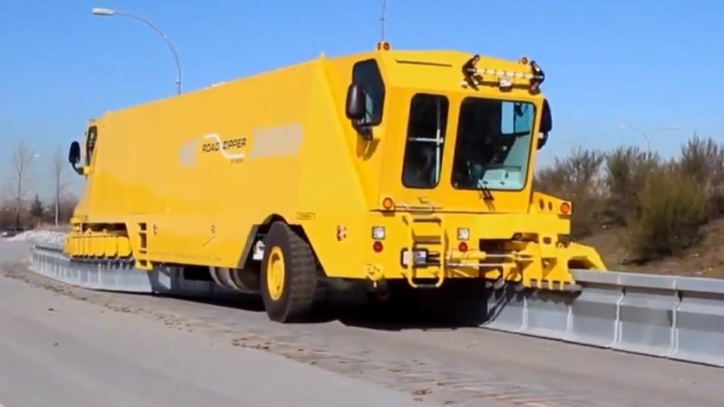 Alex Fraser Bridge to get 'road zipper' truck for counter-flow lane