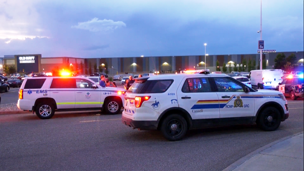 Police continue search for suspects in targeted shooting at mall north of Calgary