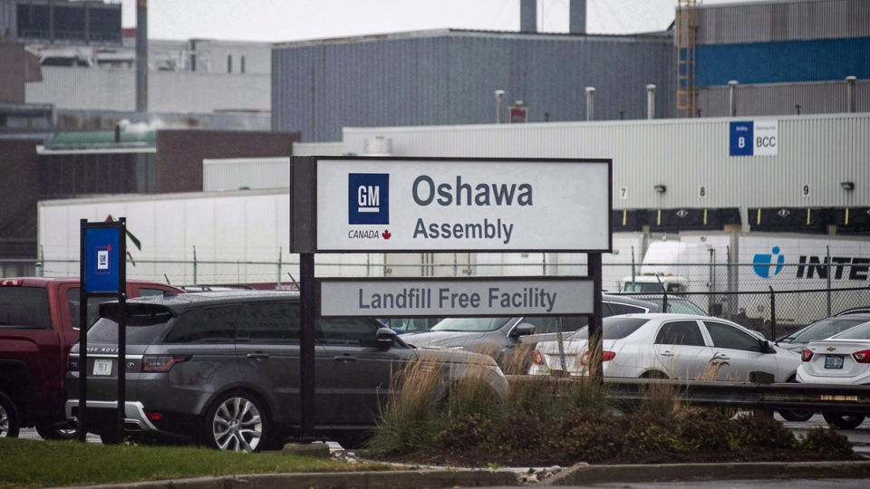 The General Motors car assembly plant in Oshawa, Ont., is shown on November 26, 2018.  (Eduardo Lima / THE CANADIAN PRESS)