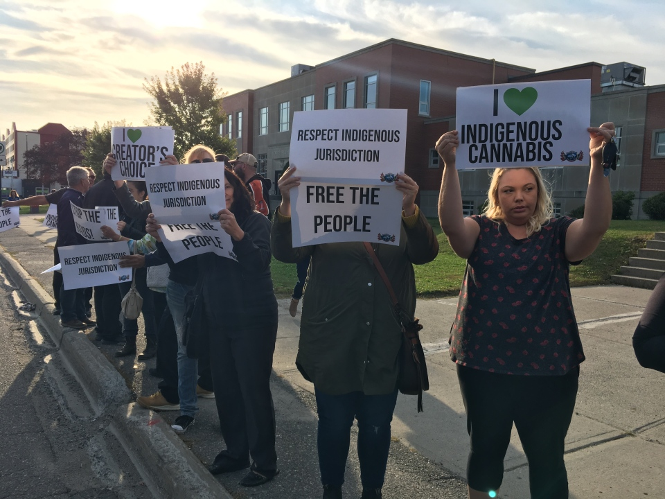 Protestors gather outside the Sudbury courthouse after the arrest of a local First Nation dispensary owner. (Molly Frommer/CTV Northern Ontario)