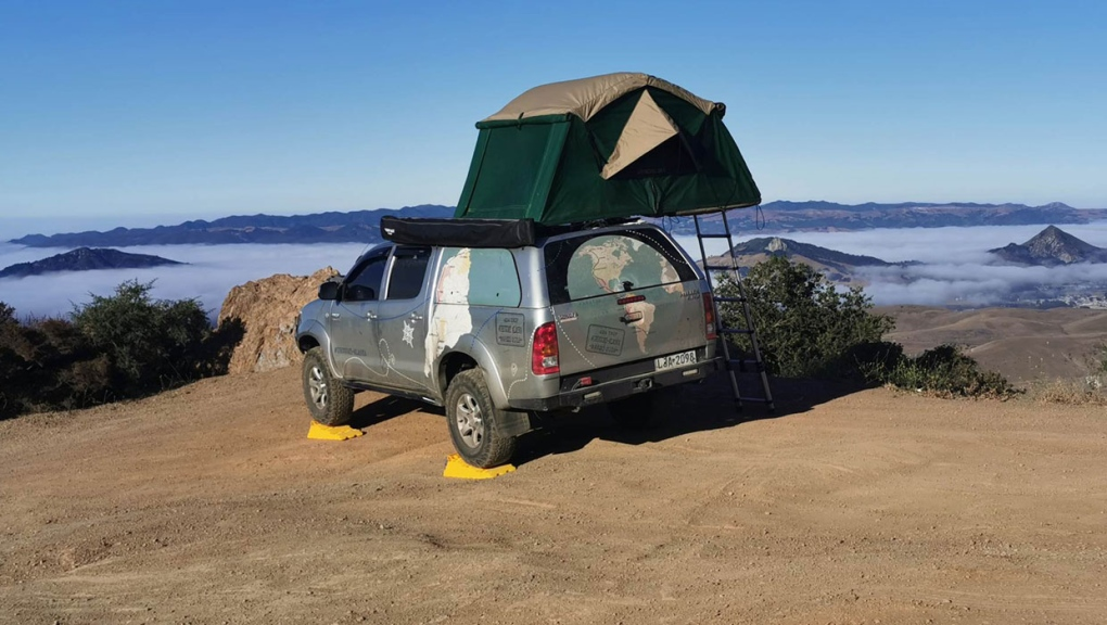 'Together all the time': Couple spends quality time together on cross-continent road trip