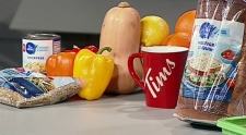 WATCH: CTV's Jessica Gosselin talks to a registered dietitian about foods that can help your immune system prepare for cold and flu season.