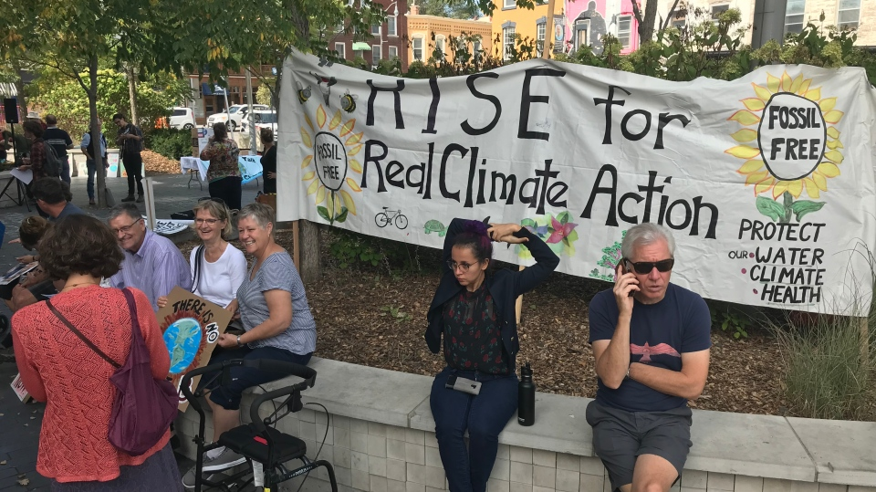 Residents participate in climate change action week in Guelph. (Sept. 20, 2019)