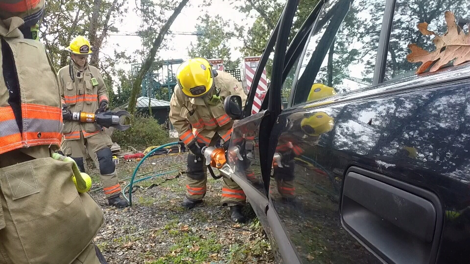 The Saanich Fire Department demonstrate using the 'Jaws of Life'. (CTV News)