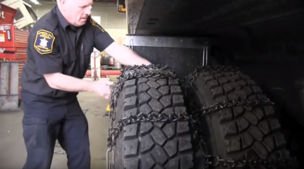 Vancouver Island truckers face beefed-up fines for forgetting snow chains