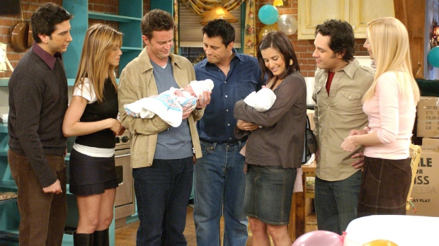 """David Schwimmer, left, Jennifer Aniston, Matthew Perry, Matt LeBlanc, Courteney Cox Arquette, Paul Rudd and, and Lisa Kudrow appear in this scene from the series finale of NBC's """"Friends,"""" in this undated publicity photo. (THE CANADIAN PRESS / AP, Warner Bros.)"""