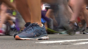 A marathon runner died just one kilometre before the end of the Montreal half-marathon on Sunday.