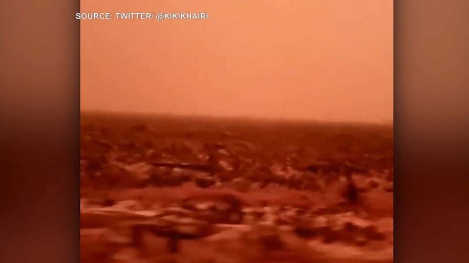 Amateur footage captured by residents of Jambi, Indonesia shows the sky turning blood red, as toxic haze continues to plague the country.(Twittter/kikihairi)