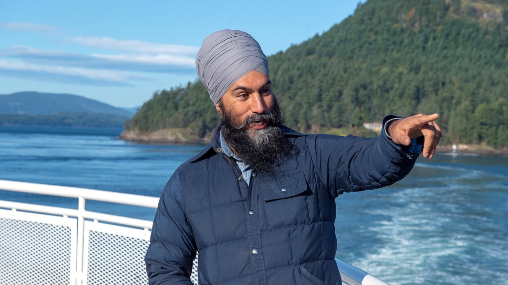 Jagmeet Singh and Elizabeth May tour Vancouver Island as campaign enters final 3 days