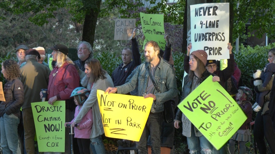 Residents protest over Prior Street's future