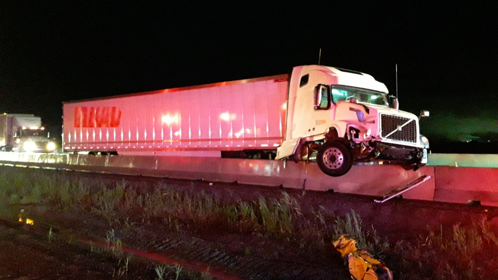 Trucker charged after tractor trailer crash on Highway 401 in Chatham-Kent
