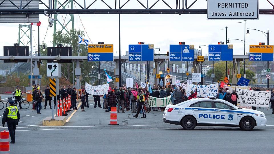 bridge protest