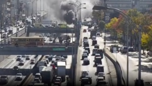 A truck caught fire on the Decarie Expressway Tuesday morning. (Photo: MTQ)