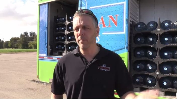 Video of Moncton truck driver's random act of kindness goes viral