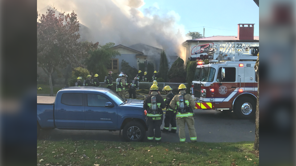 Fire crews responded to this home on Sophia Street near 53rd Avenue on Oct. 10, 2019. (Photo: Steve Hughes)