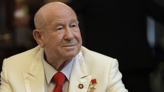 Buzz Aldrin pays tribute to pioneering Soviet spaceman Alexei Leonov