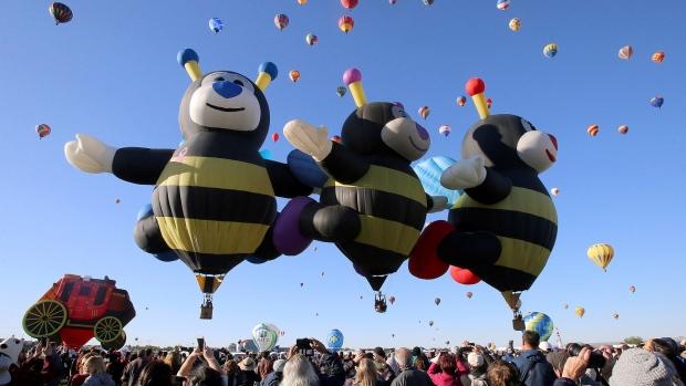 Gas balloon teams reach Canada in annual distance contest