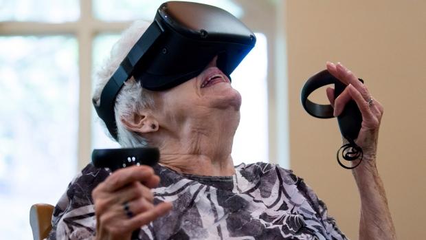senior virtual reality
