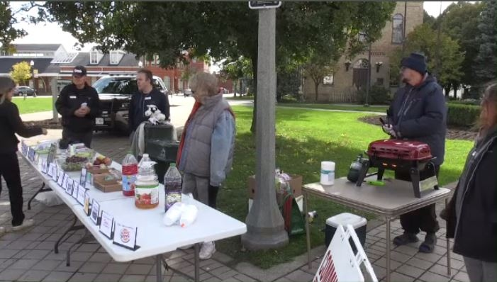 The Community Free Table handing out free meals in Woodstock on Oct. 12, 2019.