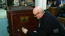 Museum looks to crack mystery safe