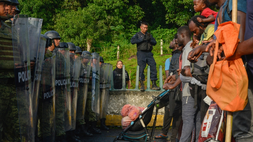 Hundreds of migrants corralled at detention centre in Mexico