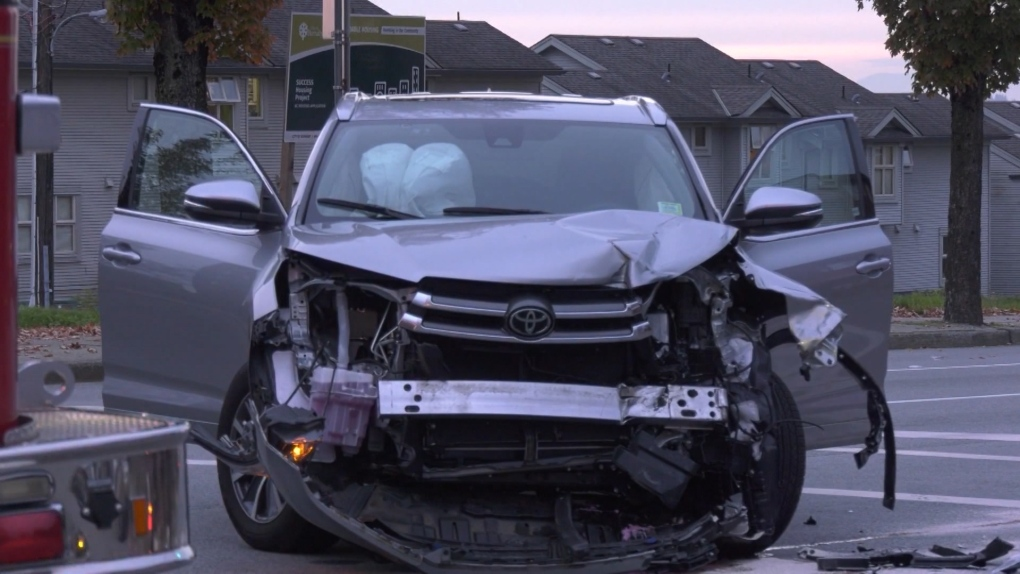 Burnaby Mounties investigating collision between SUV and motorcycle