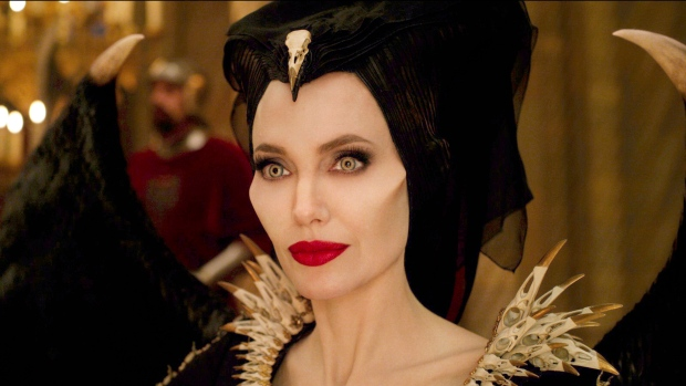Movie Reviews In Mistress Of Evil Maleficent Plays Mom
