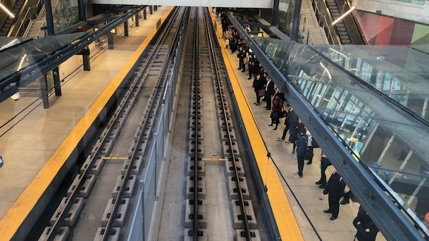 Riders report mainly smooth LRT commute Tuesday