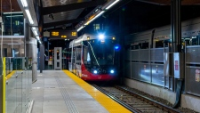 O-Train rolls into UOttawa station (David Bellerive, OTrain Fans)