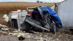 A fatal crash on Highway 401 in Elgin County, Ont. on Friday, Oct. 18, 2019. (@OPP_WR / Twitter)