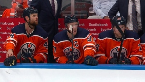 Connor McDavid, Oilers, bench