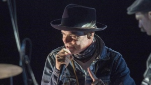 """Gord Downie performs his solo project """"Secret Path"""" at the Rebecca Cohn Auditorium in Halifax on Tuesday, Nov. 29, 2016. THE CANADIAN PRESS/Andrew Vaughan"""