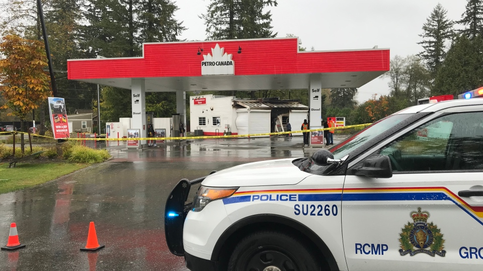 A fire broke out at this gas station in Surrey Monday, Oct. 21, 2019. (Photo: Robert Colbourne/CTV News Vancouver)