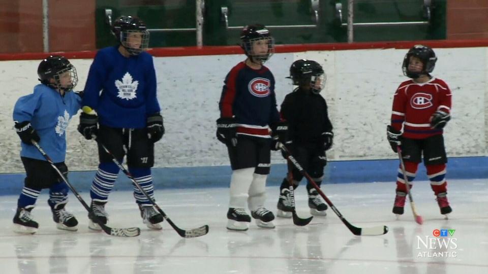 Cape Breton program introduces kids to hockey