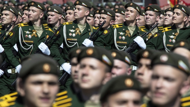 Russian soldier kills 8 on Siberian base