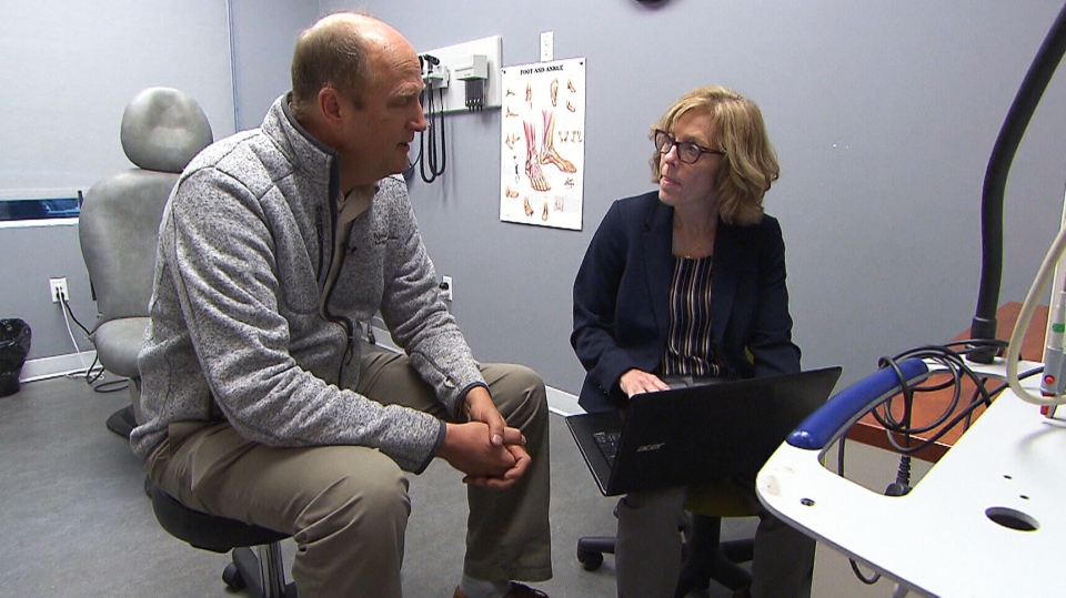 Sue Tobin, a nurse practitioner and clinical director in Ingersoll, Ont., meets with physician consultant Dr. Rob Hiemstra.