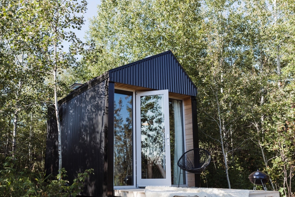 Look inside and see why people around the world are dreaming of this Sask. cabin
