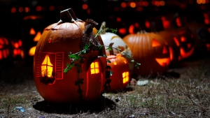 Trick-or-treating is permitted under guidance from the Leeds, Grenville and Lanark District Health Unit, but the mayor of Brockville is asking grownups to avoid large parties of their own. (Photo: AP / Robert F. Bukaty)