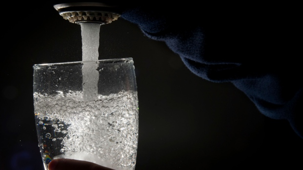 Alberta Health Services issued a boil water advisory in the town of Oyen. (THE CANADIAN PRESS/Jonathan Hayward)