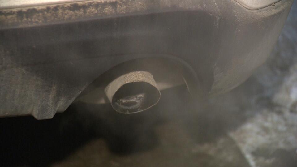 Idling vehicle