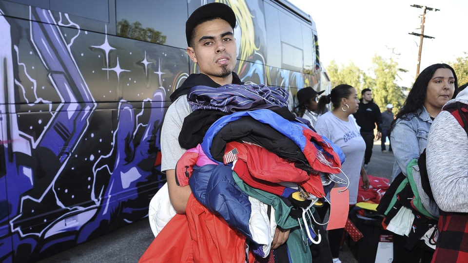 Chris Brown holds high-end yard sale at his Los Angeles ...