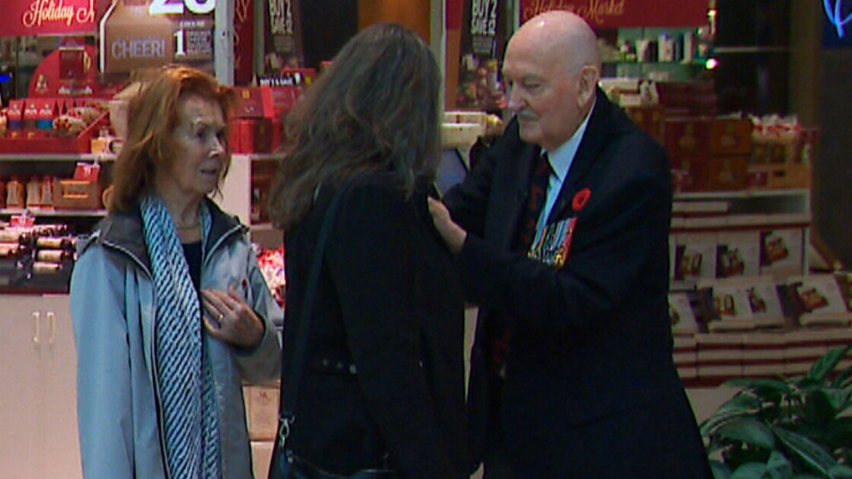 A 99-year-old Second World War veteran is still serving his country despite his age by running the poppy donation table in an Ottawa mall. (CTV News)