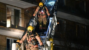 A fire in an apartment building in the Lachine borough in Montreal cost the lives of an 8-year-old girl and a 40-year-old woman. SOURCE Theirry Laforce, Roussillon News