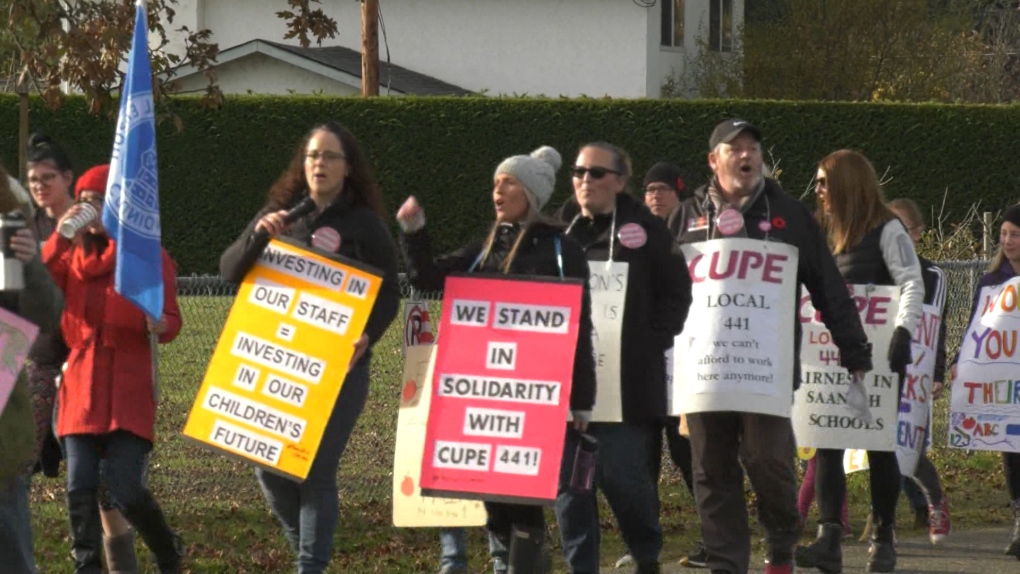 Schools closed in Saanich Tuesday as strike continues