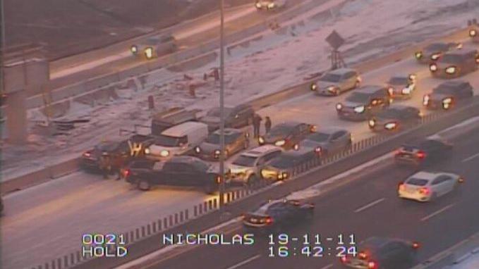 Crash on Queensway at Nicholas