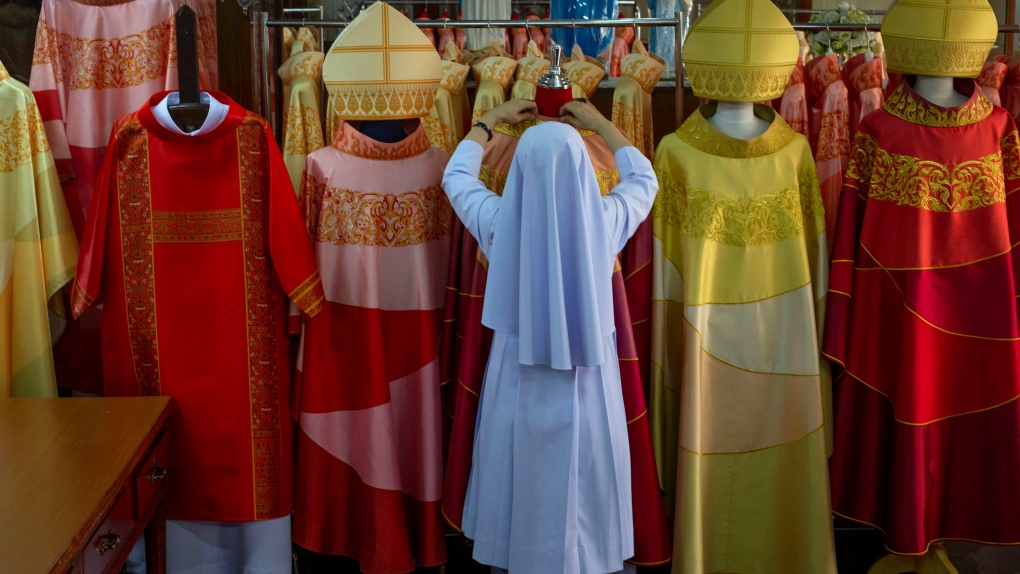 thai robes