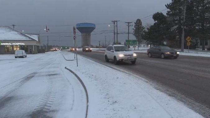 Wintry weather prompts school closures in New Brunswick