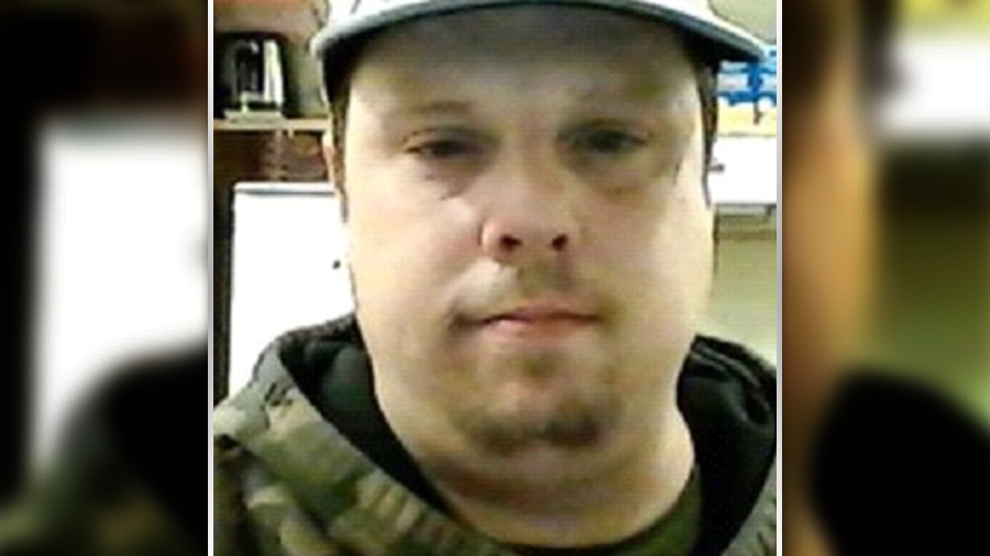 Ottawa man Dennis Guthrie, 41, wanted by Ottawa Police for assault with a weapon, aggravated assault, weapons dangerous, uttering threats and breach of probation. He is described as a white male, 250-pounds, and five-foot-nine inches tall with a large build. (Ottawa Police handout)
