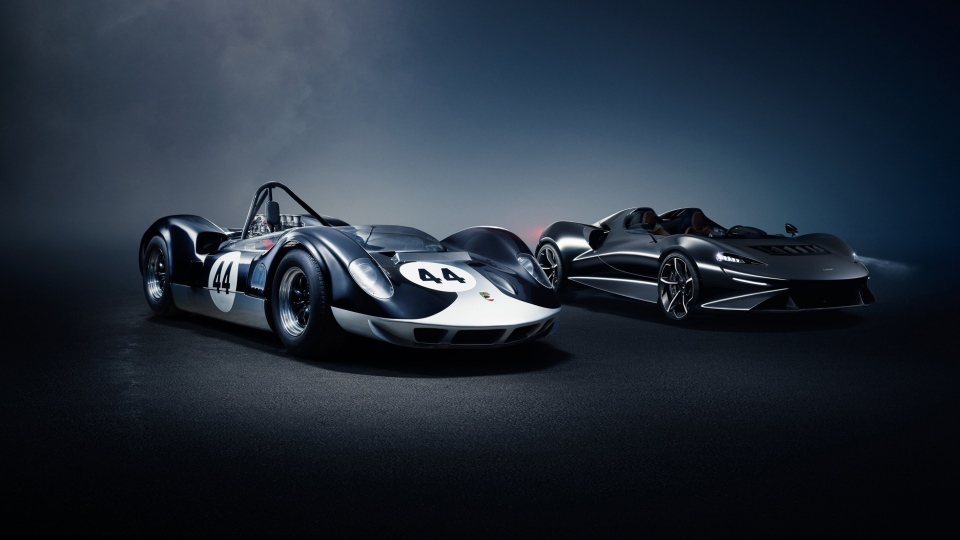 The new McLaren Elva was modelled on the 1960s McLaren-Elva race car. (McLaren)