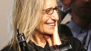 Annie Leibovitz is pictured during a photo shoot while on assignment for Vanity Fair magazine in Washington, Jan. 15, 2009. (AP / Charles Dharapak)